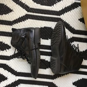 Vintage Leather 80s 90s botties pointed toe